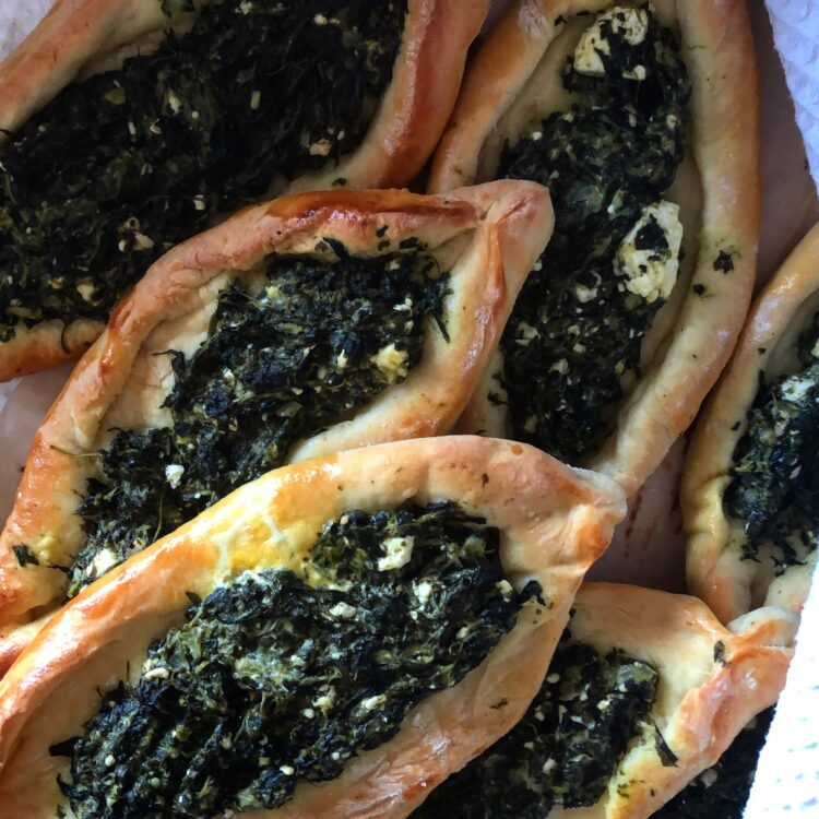 Spinat Pide