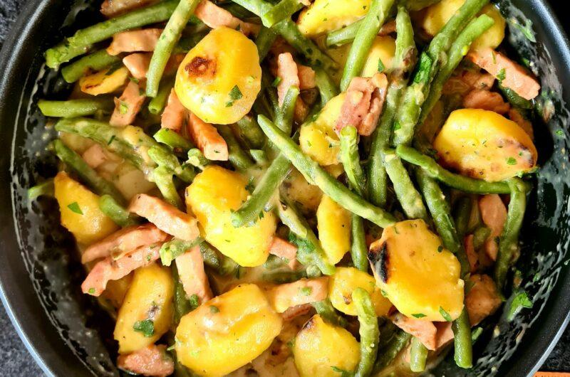One-pot Kassler mit grünen Bohnen und Kartoffeln in cremiger Sauce